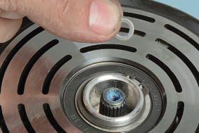 Замена подшипника шкива привода компрессора кондиционера Ниссан Кашкай